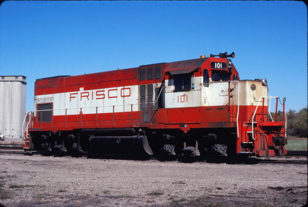 GP15-1 101 at Carthage, Missouri in October 1980 (David Cash)