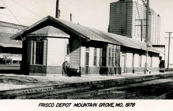 Mountain Grove, Missouri Depot in 1978 (Postcard)