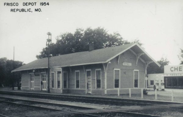 Republic, Missouri Depot in 1954 (Postcard)