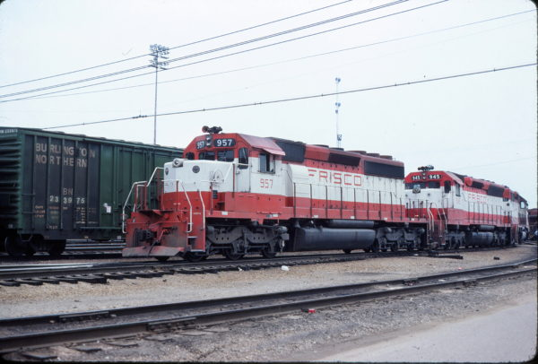 SD40-2 957 and SD45 945 (location unknown) in May 1980 (David Ingles)