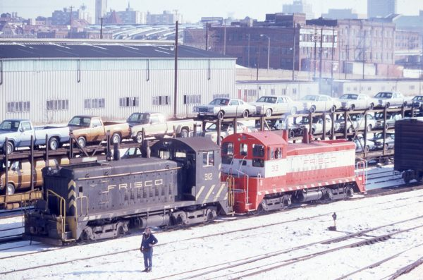 SW9s 312 and 313 at St. Louis, Missouri in February 1979 (Donna Trebing)