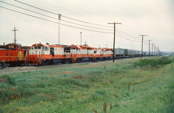 U25B 817, GP40-2 754, U30B 839 and GP40-2 757 at Tulsa, Oklahoma on June 2, 1979