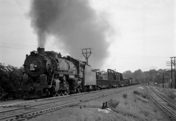 2-8-2 4211 with Train #37 at Southeastern Junction, St. Louis, Missouri in September 1941 (William K. Barham)