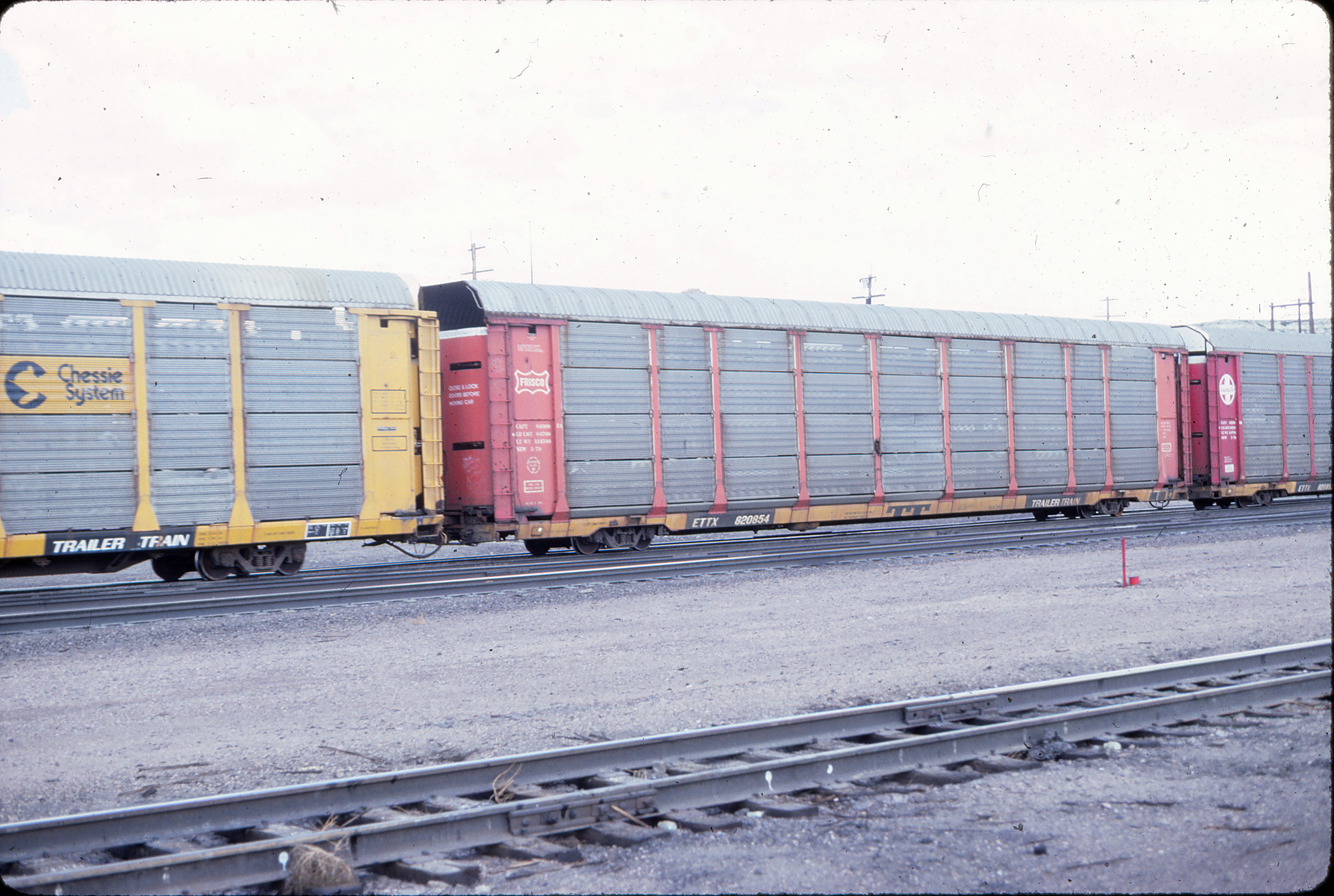 Autorack 820854 at Green River, Wyoming in August 1984