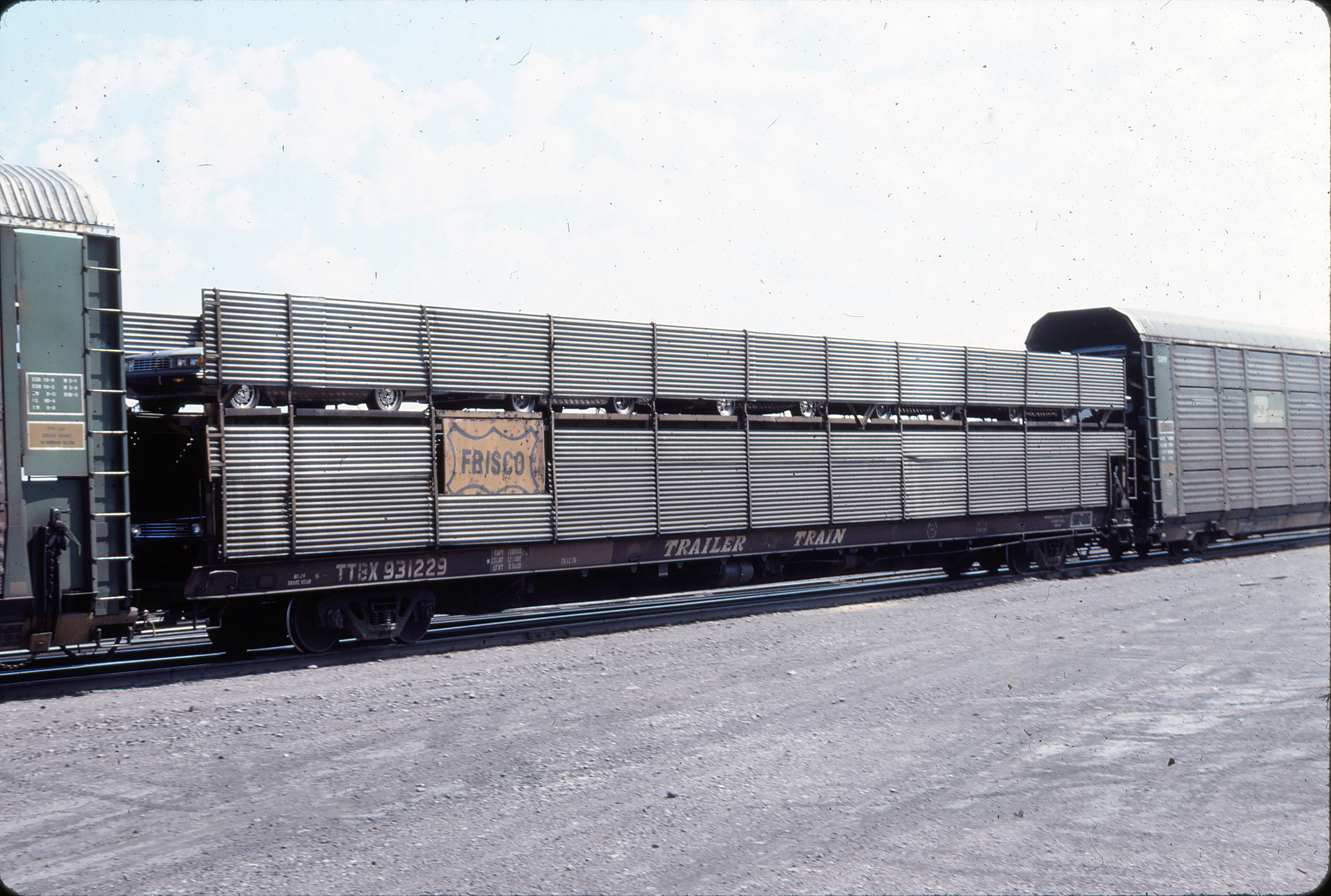 Autorack 931229 at Helena, Montana in August 1983