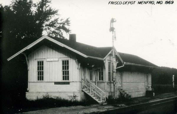 Menfro, Missouri Depot in 1969 (Postcard)