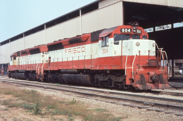 SD45s 904 and 910 at Springfield, Missouri (date unknown)