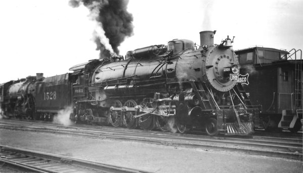 4-8-2 1528 just out of the shop at Springfield, Missouri on April 11, 1948 (Arthur B. Johnson)