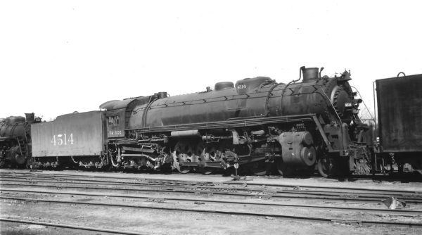 4-8-4 4514 at Springfield, Missouri on March 19, 1949 (Arthur B. Johnson)