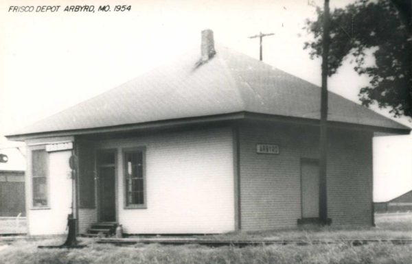 Abyrd, Missouri Depot in 1954 (Postcard)