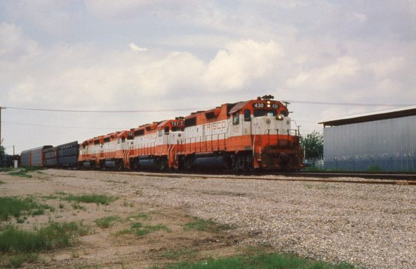 GP38-2 430, and GP40-2s 757, 762 and 772 with Train #37 at Tulsa, Oklahoma on May 31, 1980