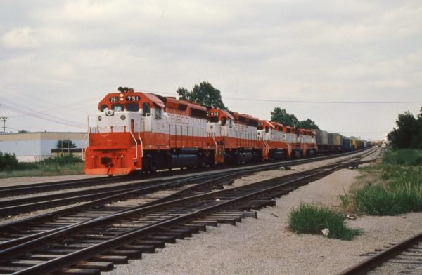 GP40-2 751, SD45 932, GP40-2 771, GP35 729 and SD40-2 951 at Tulsa, Oklahoma on May 31, 1980