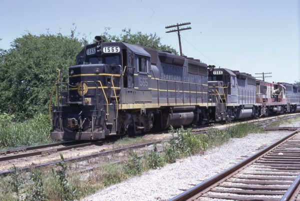 SCL Sandwich (location unknown) in May 1971 (1565-1566 are GP40s)