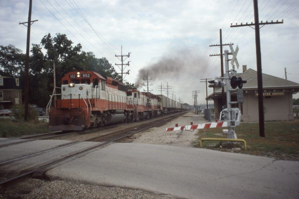 SD40-2 952, U30B 866 and SD40-2 950 at Webster Groves, Missouri on October 3, 1979