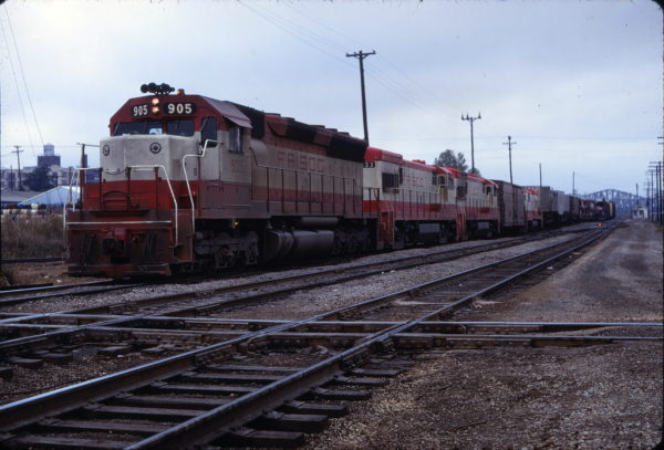 SD45 905 (location unknown) on November 16, 1968