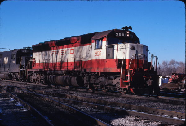SD45 906 at Lawrence, Kansas in December 1977