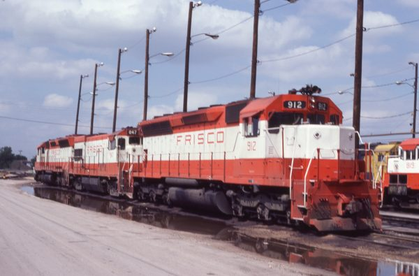 SD45 912 and U30B 847 at Tulsa, Oklahoma on May 18, 1980 (J.C. Benson)