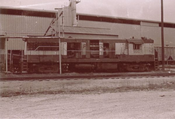 U25B 800 at Springfield, Missouri (date unknown)