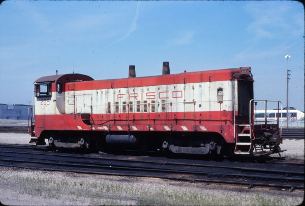 VO-1000m 205 at Kansas City, Missouri on June 15. 1979 (Steven Kindschy)