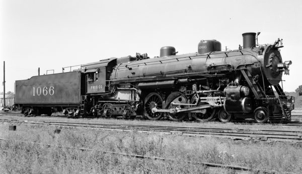 4-6-4 1066 at Lindenwood Yard, St. Louis, Missouri in 1947 (Robert J. Foster)