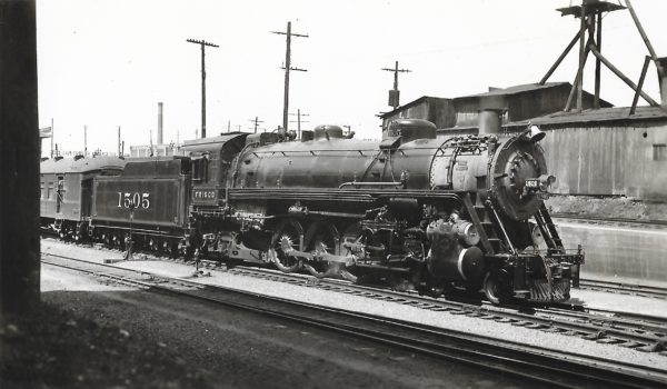 4-8-2 1505 at St Louis (date unknown) (Robert Graham)