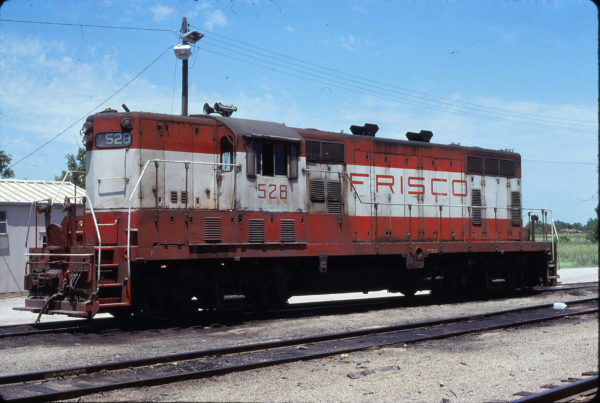 GP7 528 at Joplin, Missouri in July 1978 (David Cash)