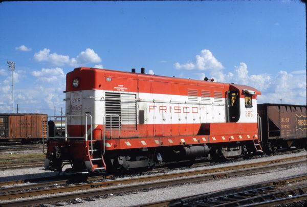 H-10-44 286 at Tulsa, Oklahoma in September 1972 (Mac Owen)