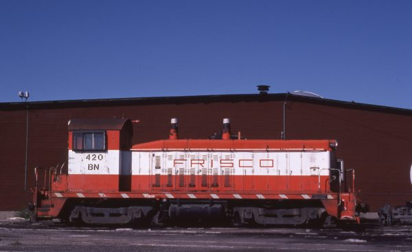NW2 420 (Frisco 260) at Galesburg, Illinois on August 20, 1982 (Ken Kess)