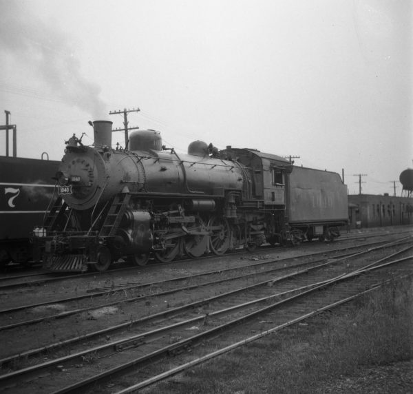 4-6-2 1040 (date and location unknown)