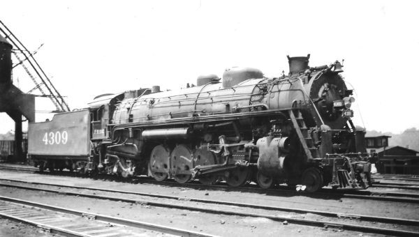 4-8-2 4309 at Springfield, Missouri on October 6, 1946 (Arthur B. Johnson)