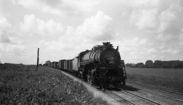 4-8-2 4417 at Nichols, Missouri on September 3, 1944 (Louis A. Marre)