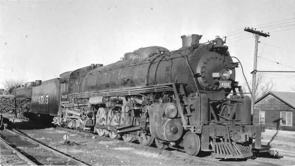 4-8-4 4505 in storage at Springfield, Missouri on March 18, 1950 (Arthur B. Johnson)