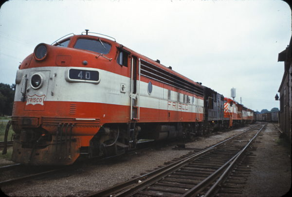 FP7 40 at Monett, Missouri in August 1968