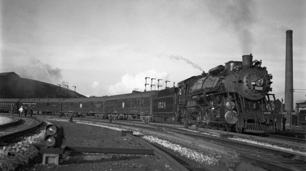 4-8-2 1524 with Train #1 at St. Louis, Missouri in May 1939 (V. Seaver-Louis A. Marre)