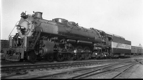 4-8-4 4502 at St. Louis, Missouri on August 31, 1947 (Louis A. Marre)