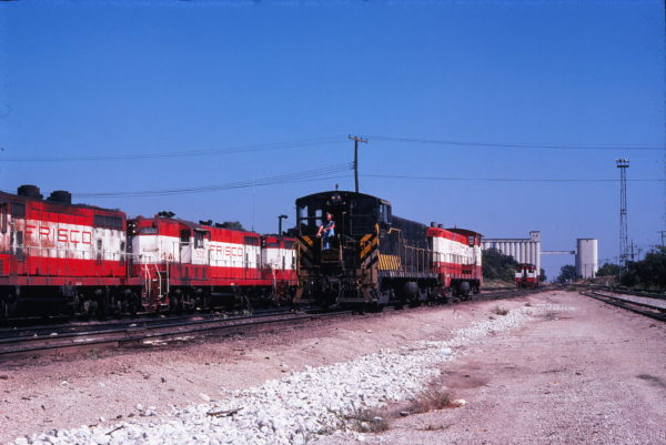 GP7 500 and VO-1000m Units 203 and 201 at Springfield, Missouri in September 1978