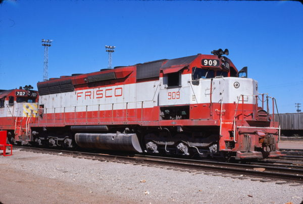 SD45 909 at Springfield, Missouri (date unknown) (David Cash)