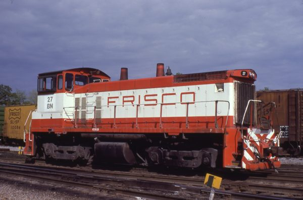 SW1500 27 (Frisco 322) at St. Louis, Missouri on April 25, 1981 (G.L. Powell)