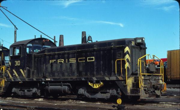 SW9 310 at St. Louis, Missouri on March 18, 1978 (Raymond Lackemeyer)