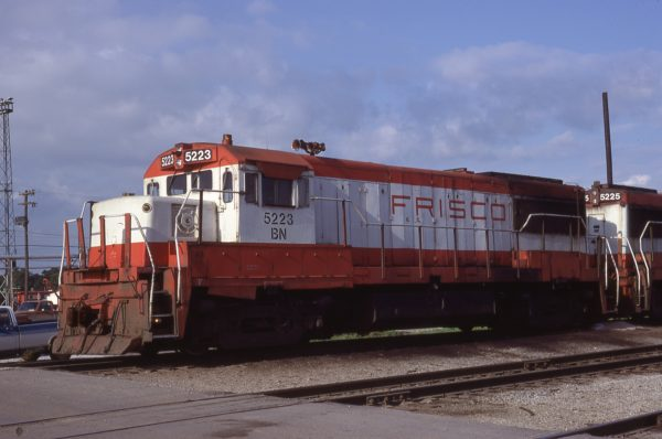 U25B 5223 (Frisco 821) at Springfield, Missouri on June 18, 1981 (Ed Fulcomer)