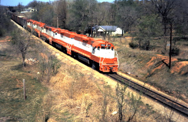 GP38-2 664 (date and location unknown)