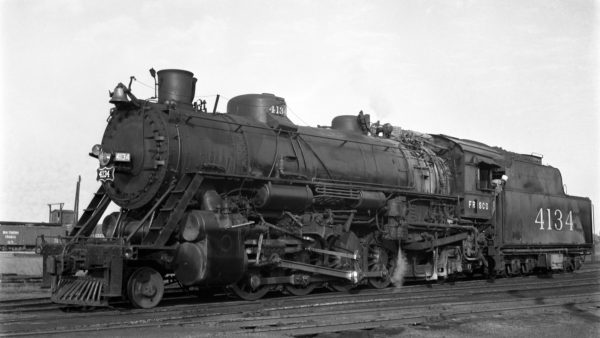 2-8-2 4134 at Memphis, Tennessee on September 18, 1948 (S. Davies)