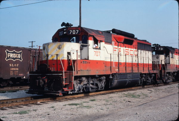 GP35 707 at Tulsa, Oklahoma on July 4, 1976 (Mel Lawrence)