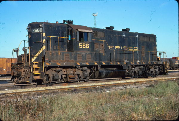 GP7 568 at Memphis, Tennessee in October 1975 (Steve Forest)