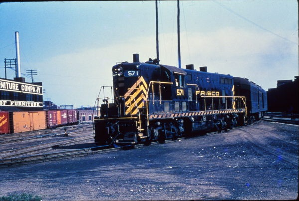 GP7 571 at Memphis, Tennessee in April 1956 (Rail Junction Slides)