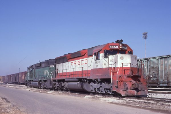 SD45 6650 (Frisco 900) at Memphis, Tennessee in February 1981 (Lon Coone)