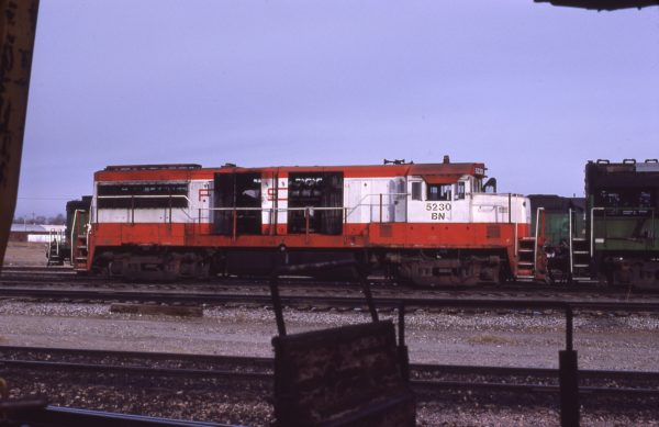 U25B 5230 (Frisco 828) at Lincoln, Nebraska in February 1981 (J.C. Butcher)