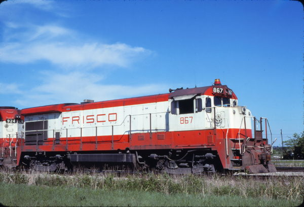 B30-7 867 at Bushyhead, Oklahoma on April 14, 1980 (Bob Graham)