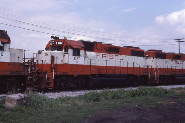 GP38-2 2287 (Frisco 432) at Memphis, Tennessee on April 19, 1981