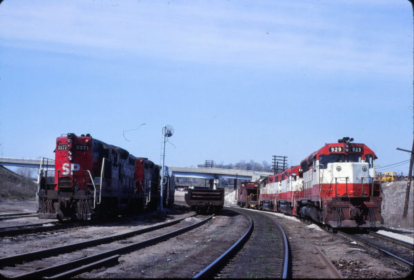 SD45 925 and Caboose 1246 at Kansas City, Kansas on April 19, 1980 (John Benson)